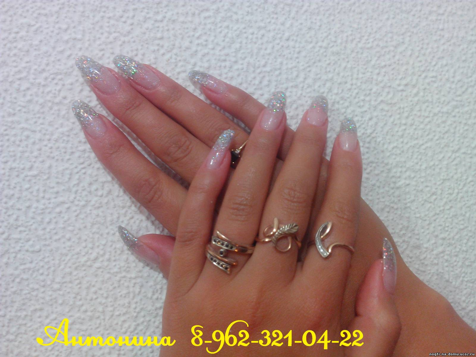 Дизайн ногтей с растяжкой блестками